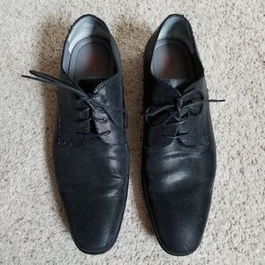 Hugos Boss black shoes sz 10.5